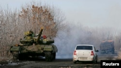 Сепаратистський танк поблизу Розсипного (Донеччина), архівне фото