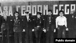 Первые Герои Советского Союза пользовались особым почетом
