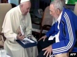 Папа Франциск и Фидель Кастро. Фрагмент программы кубинского ТВ. 20 сентября