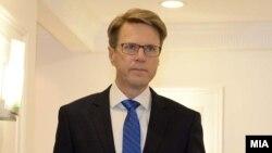 Амбасадорот на Европската Унија, Самоел Жбогар.