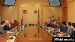 Рөстәм Миңнеханов ЮНЕСКО, ИКОМОС вәкилләре белән очраша