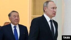 Президенти Росії і Казахстану Володимир Путін і Нурсултан Назарбаєв (архівне фото)