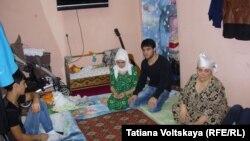 Семья Назаровых в съемном жилье в Санкт-Петербурге.