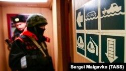 Работа береговой охраны Пограничной службы ФСБ России в Керченском проливе