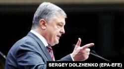 Представник президента: Порошенко на кожній зустрічі з міжнародними партнерами при будь-яких перемовинах піднімає питання повернення полонених