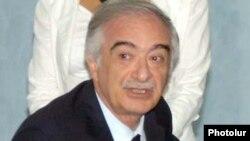 Polad Bülbüloğlu.
