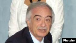 Полад Бюльбюльоглу в Ереване, 3 июля 2009 года