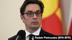 «Якщо все йтиме за планом, що стосується політичного процесу, приблизно 10 березня цей процес завершиться. Залишаться деякі технічні деталі, які вирішуватиме наш парламент у Скоп'є», – сказав президент Північної Македонії