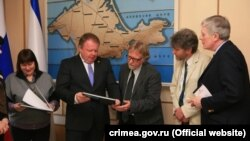 Британські вчені на зустрічі з членами російської Держради Криму