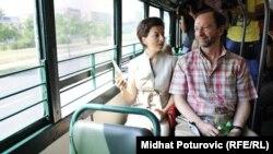 Američki ambasador sa suprugom u vožnji 'Vašingtoncem'.
