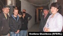 Мансардты пәтерлердің тұрғындары. Астана, мамыр, 2013 жыл