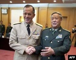 АҚШ пен Қытай әскерінің орталық штаб жетекшілері кездесіп тұр. Бейжің, 11 шілде 2011 жыл