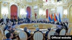 8-майда Москвада ЕЭБдын кеңешинин мамлекет башчылар деңгээлиндеги жыйыны өтөт