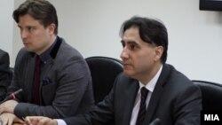 Прес-конференција на министерот за информатичко општество Иво Ивановски и претседателот на Агенцијата за аудио и аудиовизуелни медиумски услуги Зоран Трајчевски.
