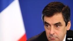 فرانسوا فيون، نخست وزير فرانسه، می گوید: خیلی نگران برنامه هسته ای ایران است.