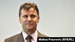 Šatorović tvrdi da su 'uticaji premijera Novalića prevladali' (Na fotografiji federalni premijer Fadil Novalić)