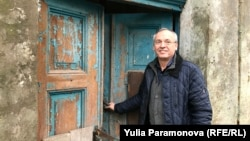 Entrepreneur Viktor Saltanovsky hopes to restore a dilapidated 19th-century building that he's bought in the Kaliningrad town of Zalesya.