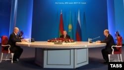 Президенты Казахстана, Беларуси и России на встрече в Астане. 29 мая 2014 года.