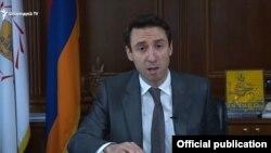 Мэр Еревана Айк Марукян выступает с заявлением о расторжении договора с «Санитек», 3 октября 2019 г․