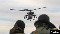 МИ-35 русумидаги Россия ҳужумчи вертолëти.