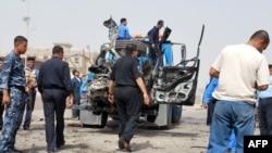 آثار إنفجار سيارة مفخخة في الرمادي