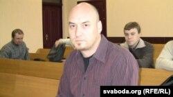 Валянцін Стэфановіч у судзе.