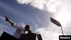 Барак Обама выступает во Флориде. 23 октября 2012 г
