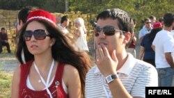 Делегати Всесвітнього Курултаю тюркської молоді. Сімферополь, 12 серпня 2009 р.