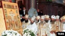 В РПЦ уверяют, что возможность проповедовать в армии будет предоставлена всем желающим, в первую очередь мусульманам
