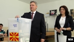 Ѓорге Иванов гласа на првиот круг од претседателските избори во Скопје.