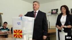 Македония президенті Георге Иванов сайлауда дауыс беріп тұр. Скопье, 13 сәуір 2014 жыл.
