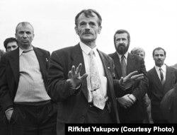 Мустафа Джемилев и Рефат Чубаров, 1990 год. Фото Рифхата Якупова
