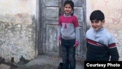 Xагани Аббасов переселенец из Агдама. У него двое детей.