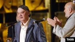 Премия «За выдающийся вклад в российское кино» была вручена Алексею Герману