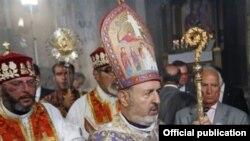 Наместник патриарха Константинопольской патриархии ААЦ, архиепископ Арам Атешян (архив)