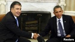 ABŞ prezidenti Barack Obama və Gürcüstan prezidenti Mikheil Saakashvili