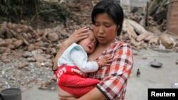 Зілзаладан кейінгі көрініс. Сычуань провинциясы, Қытай, 21 сәуір 2013 жыл.
