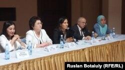 Аутизм жайлы халықаралық семинарға қатысушылар. Астана, 4 қыркүйек 2015 жыл.