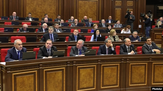 Armenia - Deputies from the ruling Republican Party at a parliament session in Yerevan, 6Feb2013.