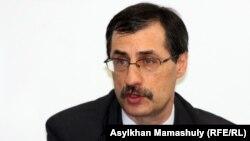 Казахстанский правозащитник Евгений Жовтис.
