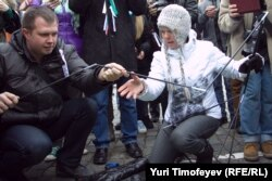 Николай Ляскин (слева) на протестной акции вместе с Евгенией Чириковой
