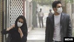 بر اساس آمار رسمی وزارت بهداشت سالانه در شهر تهران بیش از چهار هزار و ۴۰۰ نفر بر اثر آلودگی هوا میمیرند.