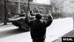Sovet tankları Bakıda