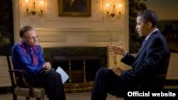 """Pak javë më parë, presidenti Barak Obama ishte i ftuari i emisionit """"Larry King Live"""" për të diskutuar kryesisht rreth katastrofës mjedisore në Gjirin e Meksikës."""