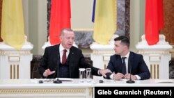 Президент Турции Реджеп Тайип Эрдоган и президент Украины Владимир Зеленский