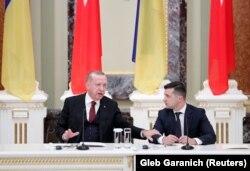 Президент України Володимир Зеленський (праворуч) і президент Туреччини Реджеп Ердоган. Київ, 3 лютого 2020 року