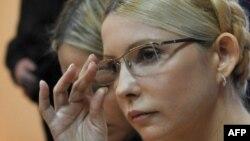 Юлия Тимошенко, бывший премьер-министр Украины на суде. Киев, 11 октября 2011 года.