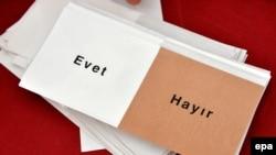 I nevažeći glasovi uračunti kao validni: Turski referendum