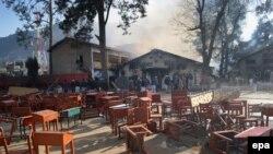 Рядом с одной из пакистанских школ. Иллюстративное фото.