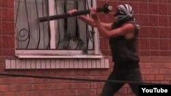 Напад на райвідділок міліції, Врадіївка, 2 липня 2013 року